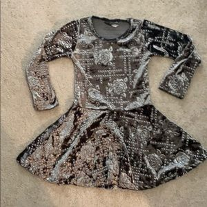 Dori Glam Fit and Flair Floral Velour Dress NWOT 6